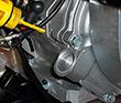 Проверка уровня масла в картере Huter DY6500LX